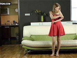 cock-squeezing gash nubile Galina Fox posing