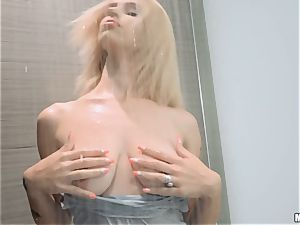 Lilli Dixon shagged in her fabulous pearl snatch after showering with her clothes on