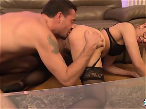 La Cochonne – crazy anal three-way with French beginner