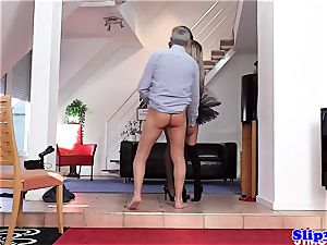 Glam eurobabe bum-fucked in fancy 3 way
