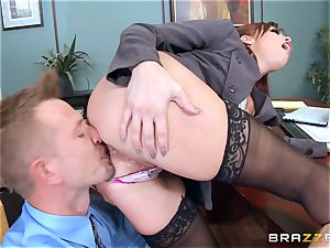 sandy-haired boss Britney Amber pummels a super-naughty worker