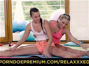 RELAXXXED lesbian Amirah Adara humped on yoga class