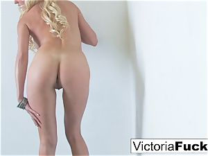 Victoria paws her coochie to completion