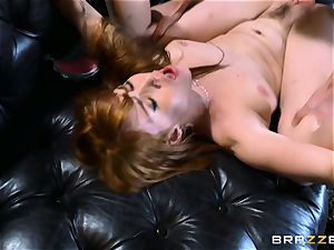 sandy-haired Gwen Stark romps her brothers phat wood