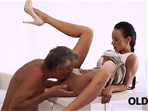 OLD4K. flawless assistant seduces older man to get another promotion