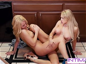 watch Alix and Aaaliyah lick each others tiny wet poon