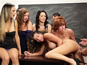 Veronica Avluv displays steaming women how to squirt