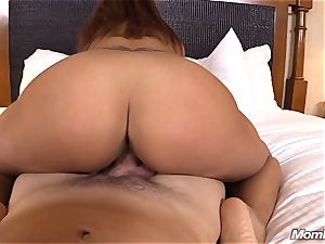 red-hot Latina amateur milf very first timer