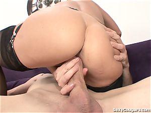 cougar honey absorbs A big lollipop