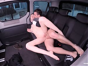 torn up IN TRAFFIC - Russian stunner nails rock hard in the car