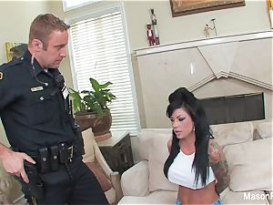 Bad female Mason Moore gets boinked by a cop