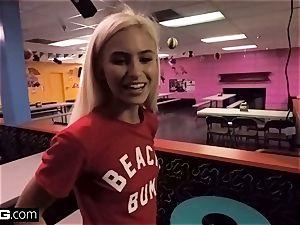 lil' teenager Kiara goes from skating rink to deepthroating fuckpole