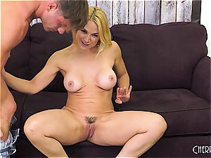 Sarah Vandella smashes on web cam and fucktoys her cootchie to climax