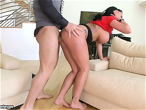luxurious Kerry Louise takes a rock hard gullet plowing