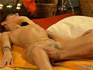 probing Indian vulva Up Close