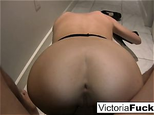 Victoria white gets down and muddy