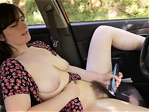 sweetheart Raven stimulates Her vagina