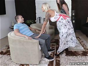 big milf A mom compeer s daughter-in-law Arrangement