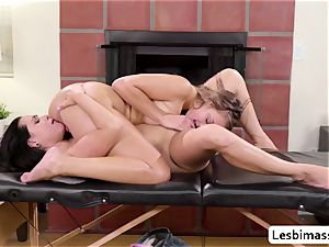 two all girl Stepsisters Zoey Foxx and Gia Derza likes scissor lovemaking