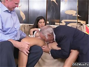 nubile well-lubed webcam and tutor threeway femmes Going South Of The Border