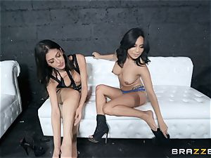 Sophia Leone licking out her pal