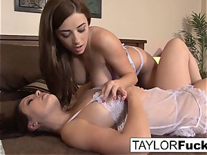 Taylor And Aria In couch