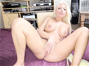 Britney Amber thumbs Her cooch